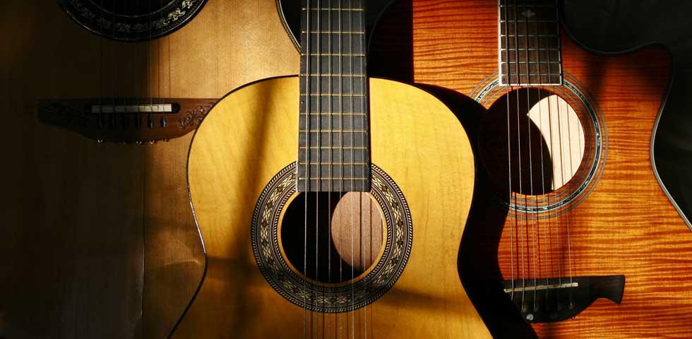 تفاوت گیتار دست ساز و گیتار ساخت کارخانه